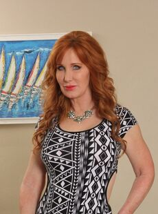 Sizzling Redhead Mom Froya Fantasia Doffs Dress To Flaunt Sexy Mature Pussy