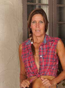 Mature American Woman La Valkenberg Strips To Her Cowgirl Boots