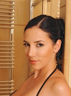 Girls With Big Tits Huge Breast Jelena Jensen Gorgeous Body Boiling The Water November 16 2009