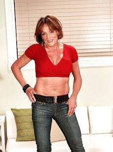 Slutty Mature Wife With Big Tits Riley Wayne Fucking In Jeans