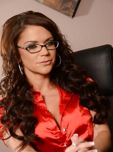 Lusty Milf Secretary In Stockings Riley Jensen Takes Off Her Skirt
