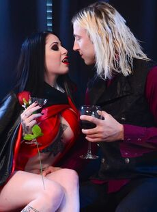 Vampire Mistress Ophelia Rain Sucks Her Servant Gets Big Boobs Cum Coated