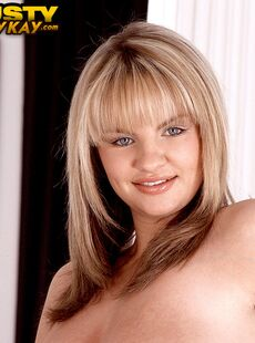 Solo Girl Kelly Kay Proudly Displays Her Big Natural Boobs In Solo Action